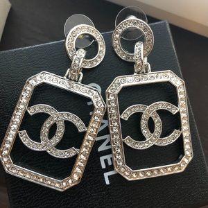 Chanel danger white gold earrings